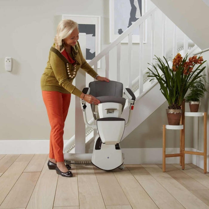 FLOW 2 STAIRLIFT DEVON AND CORNWALL-700