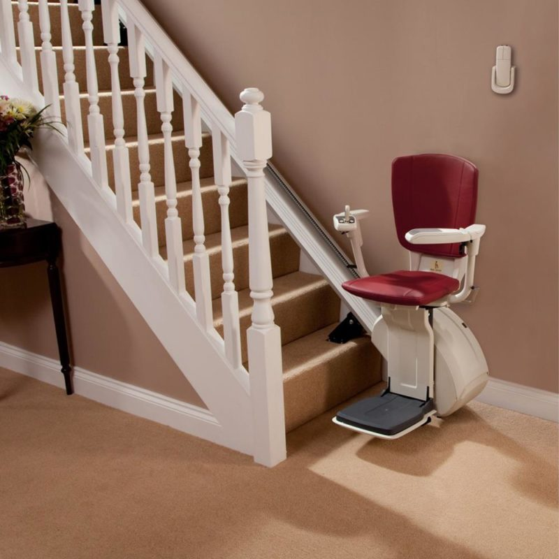 Homeglide-Extra-Straight-Stairlift-Stairway